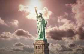 云彩背景自由女神雕像鏡頭