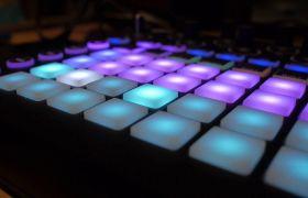 发光的小灯光键盘