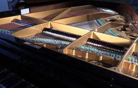 钢琴演奏时外部构造高清实拍