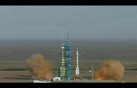 火箭发射塔航天火箭点火发射高清实拍视频素材