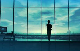 科技商务女性站在落地窗前信息特效视频素材