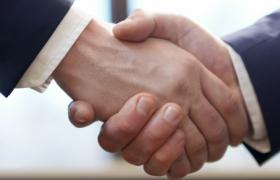 成功人士握手洽談高清實拍視頻素材