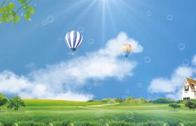 熱氣球在滿是泡泡的天空中上升視頻素材