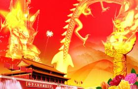 金色的龙在满是烟花的天空中飞舞背景视频素材