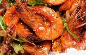 特色美食传统风味香辣虾广告宣传参考