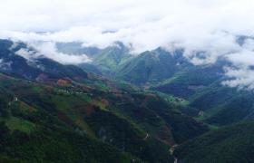 4K级别航拍中国壮丽云雾笼罩青山绿水高清视频下载