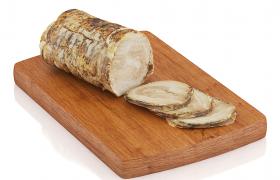方形菜板上干净整洁的五香肉肠商品宣传促销C4D食物模型(含贴图)