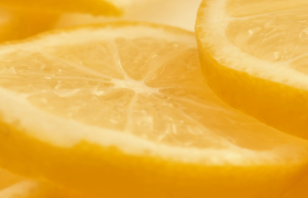 新鲜多汁橙子片清晰放大特写的实拍广告视频