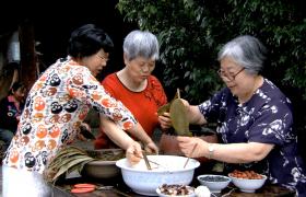 端午节农家奶奶们包粽子高清实拍视频优德w88中文版