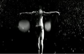 性感肌肉线条传统健美欧洲男士艺术舞蹈实拍视频素材