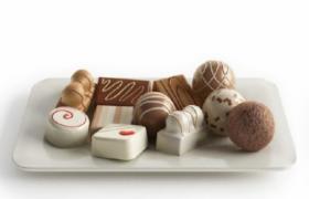 精心手工制作香醇日式巧克力奶油小点心糕点3D食物模型
