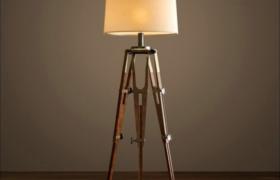 复古落地式木制三角形外观设计家居卧室床台灯3D模型