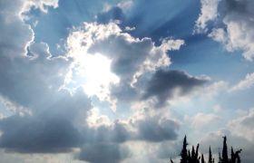 自然风光-高清实拍阳光透过云层直冲云霄视频背景素材