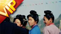 少数民族贵州妇女观看斗牛场景实拍