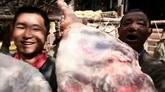 农民劳动者收获时的微笑与喜悦高清实拍视频素材