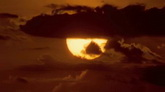 太阳落下云层高清实拍视频素材