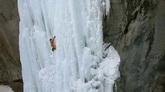 航拍 极限运动 登雪山 雪山攀岩 登山运动高清实拍视频素材