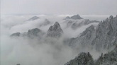 3个山峰云雾缭绕自然风光美景高清实拍视频素材