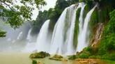 自然风光 瀑布成排直流大自然的美景高清实拍视频素材