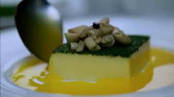 倒红酒 倒酱油豆腐相关美食一组 中国美食系列高清实拍视频素材