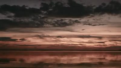 快速流动的云层海面特写高清实拍视频素材