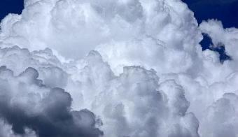 云层翻滚高清实拍视频素材