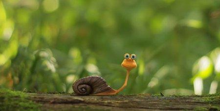 树林里爬动的蜗牛拉出LOGO标记动画AE模板 The Snail Logo Opener