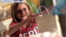 小女孩的生日礼物 高清实拍视频素材