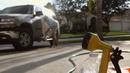洒水器洗车 擦干 高清实拍视频素材