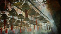 香港纪录:西方遇见东方 香港城市老街老建筑 寺庙里的挂香