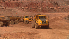 工地建筑泥头车铲车发掘机挖土运输