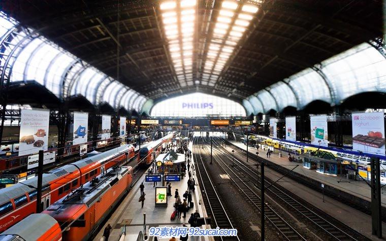 火车站 等候 人物 车流 高清实拍