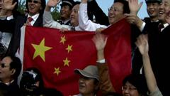 60周年庆典-欢迎人群鼓掌招手标清实拍场景