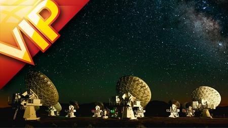 延时摄影雷达接收器炫丽星空人们狂欢场景(含音乐)