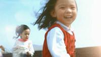 水墨线条运动变幻女童头发 女童笑脸奔跑向前高清视频
