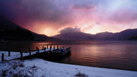 湖邊小橋停泊的小舟天空云變化時間流逝唯美延時攝影自然風光實拍
