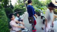 青少年滑板滑轮 少儿学溜冰高清实拍