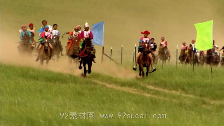蒙古大草原上人群骑马比赛 众人赛马高清实拍视频素材