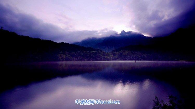 变化的湖水 高山湖泊天空云变化自然风光高清实拍视频素材