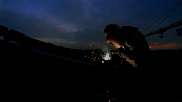 工地修建消费工人休息现场高清实拍视频素材都会建立施工烧焊