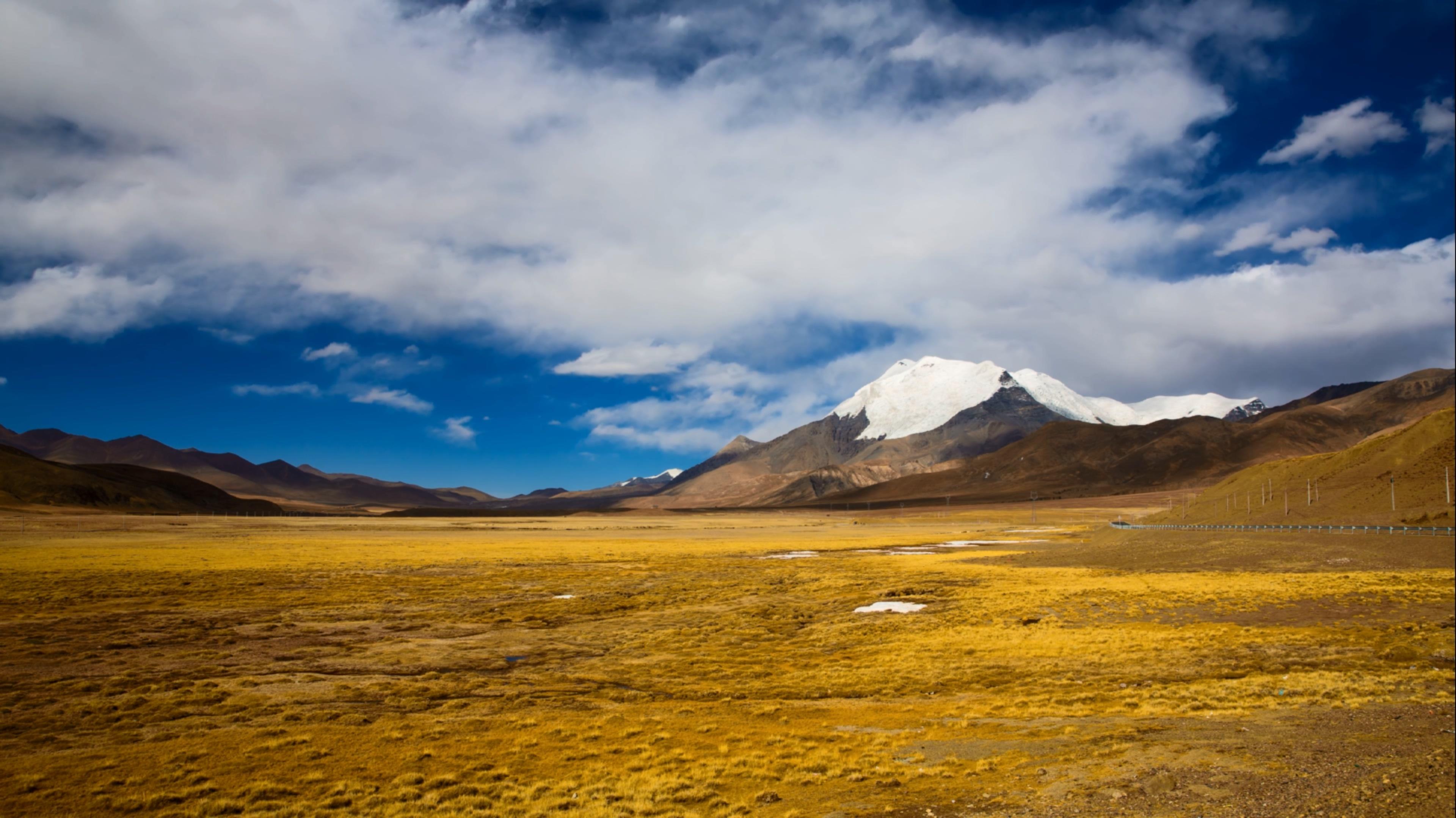 [4K]超唯美西藏ㄨ延�r大自然雪山湖泊�L光寂�o夜空高清��拍