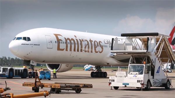 物流航空运输飞机运输卸货高清实拍