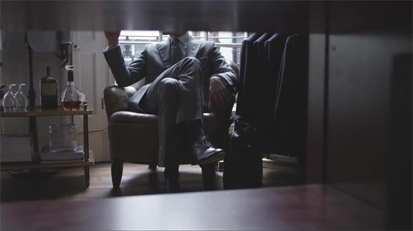 高端大气男装企业品牌抽象宣传片 看风使舵制造衣服进程高清实拍