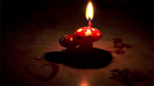 蘑菇蜡烛照亮漆黑情调小饰品高清实拍