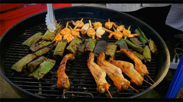 泰國美食節娛樂狂歡人群燒烤美食街頭實拍