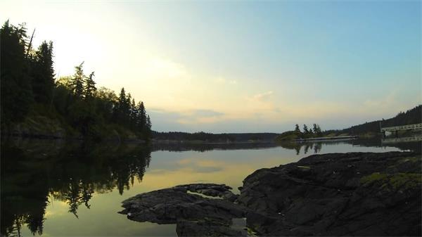 日落湖水荡漾大自然风景实拍延时高清素材