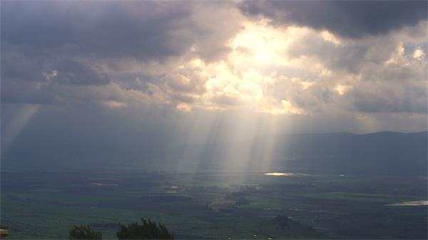 [4K]农村壮丽景色阳光透射照耀大地高清视频实拍