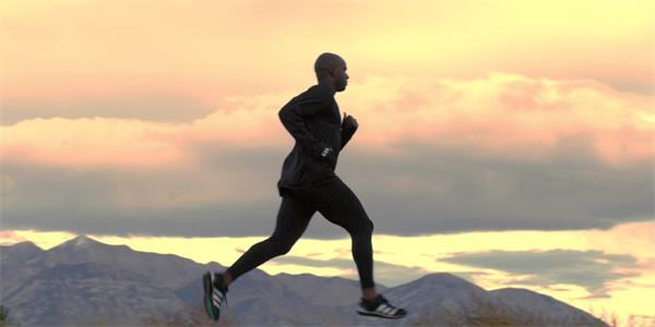 大自然跑步健身慢动作实拍慢镜高清视频素材