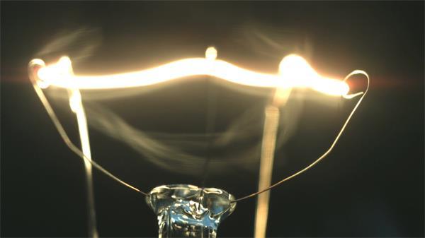 灯泡灯丝发热发亮电流接通熄灭高清实拍