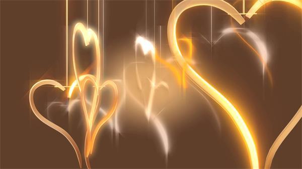 梦幻浪漫金属质感吊挂心形旋转动态婚礼视频素材